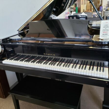 Samick Grand Piano Model SG-172 5'7″ Polished Ebony